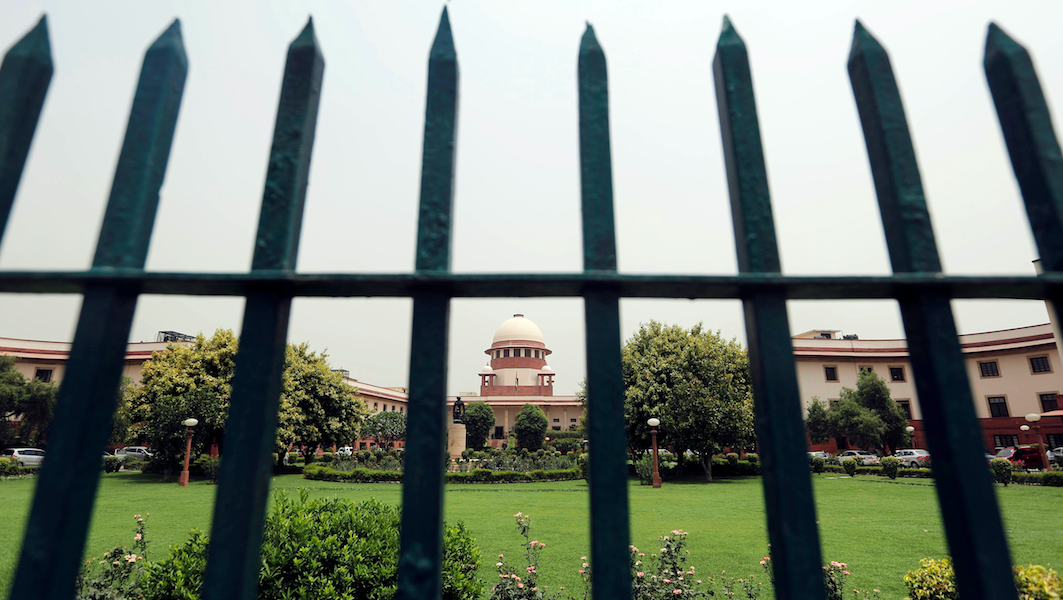 SC Asks Prashant Bhushan For Explanation or Apology in 2009 Contempt Case, Mutes Hearing