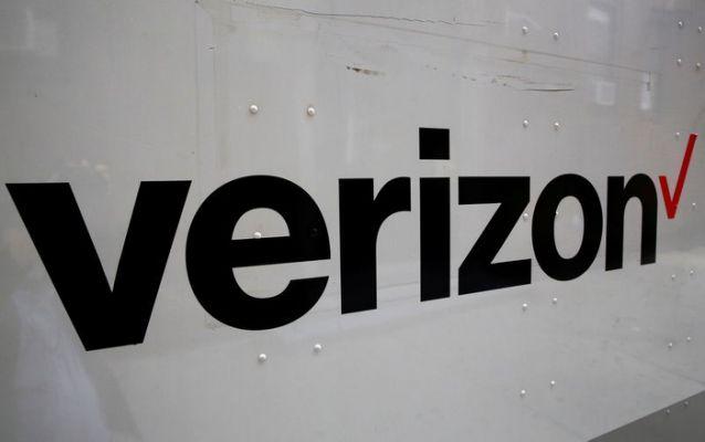 Verizon Suspends Advertising on Facebook, Joins Growing Boycott