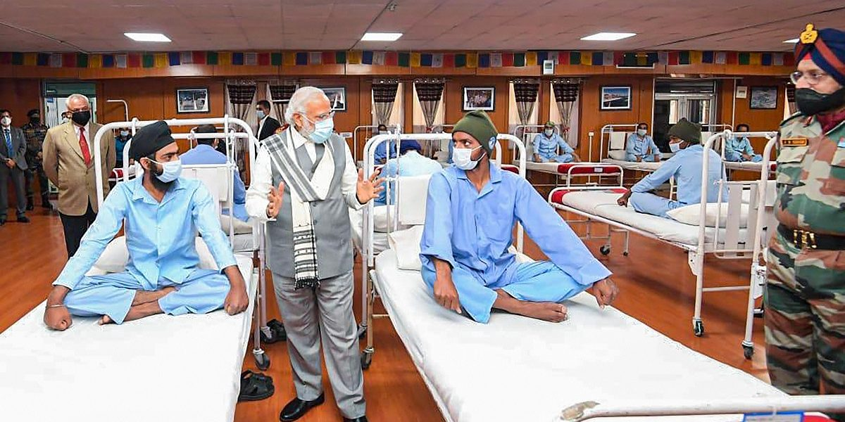 Fact Check: Hospital Ward or Seminar Room, the Truth of Modi's Visit to Injured Soldiers