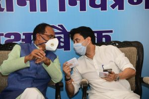 MP: Behind the BJP's Luring of Congress MLAs, a Bid to Reduce Scindia's Influence