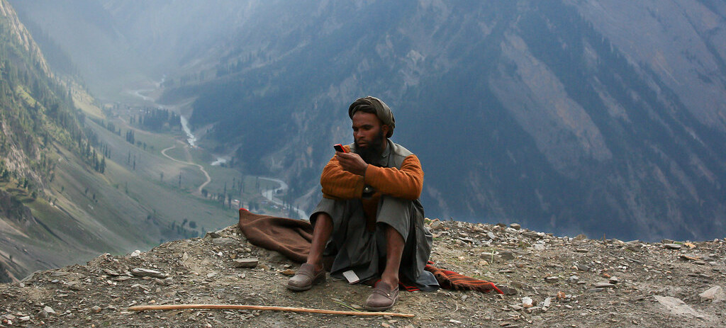 Give Kashmir Unrestricted Access to the Internet. It's Long Overdue.