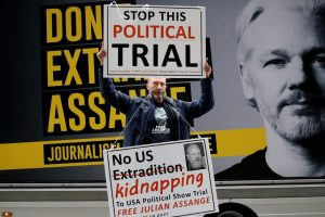 Wikileaks Acted in Public Interest, 'Pentagon Papers' Whistleblower Says at Assange Hearing