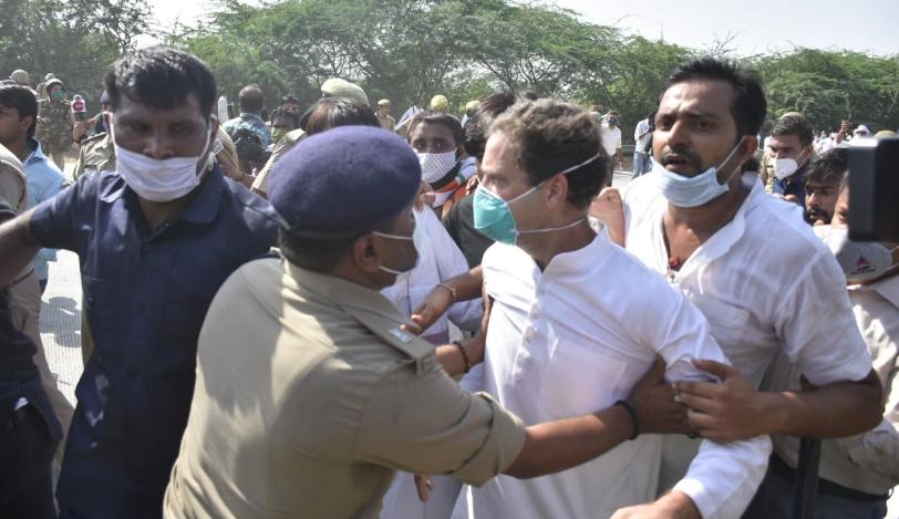 UP Police Stop and Arrest Rahul, Priyanka Gandhi on Their Way to Hathras