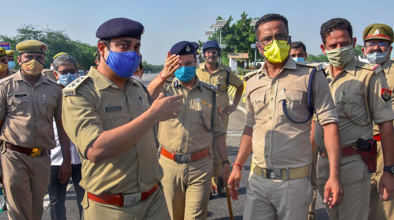 Hathras Gangrape: Ex Civil Servants Demand SC/ST Atrocities Case Against Errant Officials