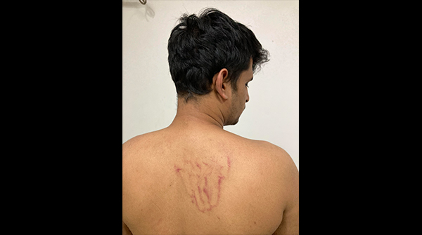 Caravan Reporter Allegedly Assaulted By Police, Detained in North Delhi