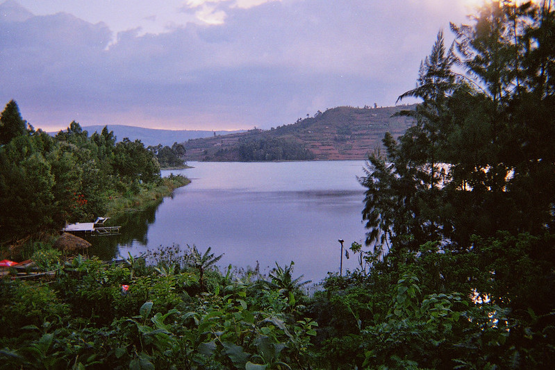 The Mysterious Depths of Lake Kivu, Rwanda – The Wire Science