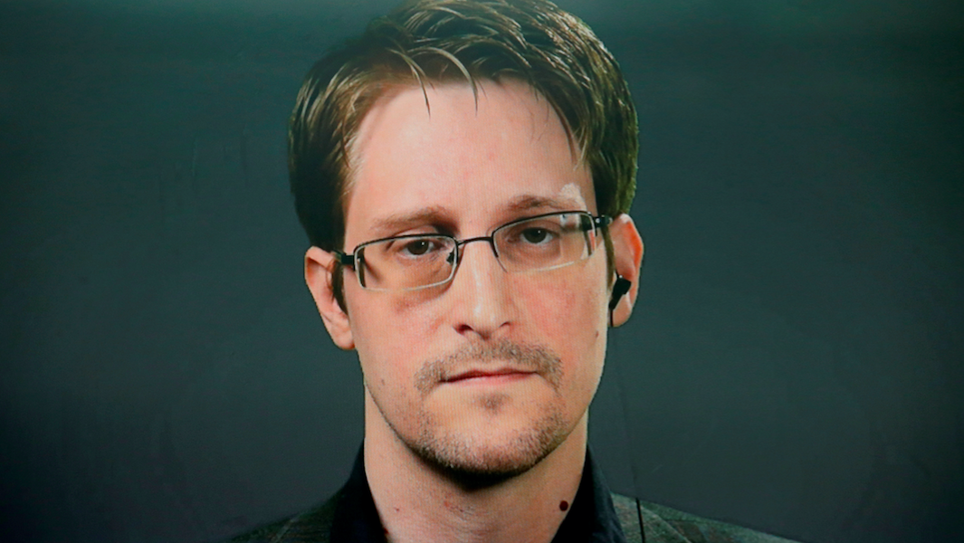 Russia Gives Edward Snowden Permanent Residency Rights