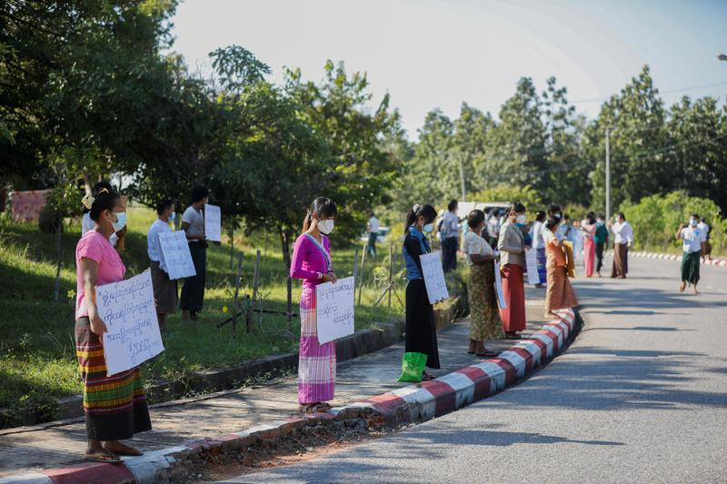 Myanmar Opposition Demands Vote Rerun as Suu Kyi's NLD Heads for Victory