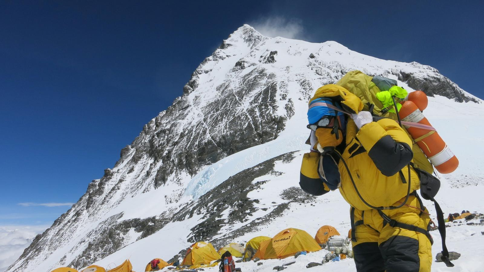 Scientists Find Microplastics Pollution on Mount Everest – The Wire Science