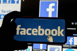 Australia to Make Facebook, Google Pay News Outlets for Content