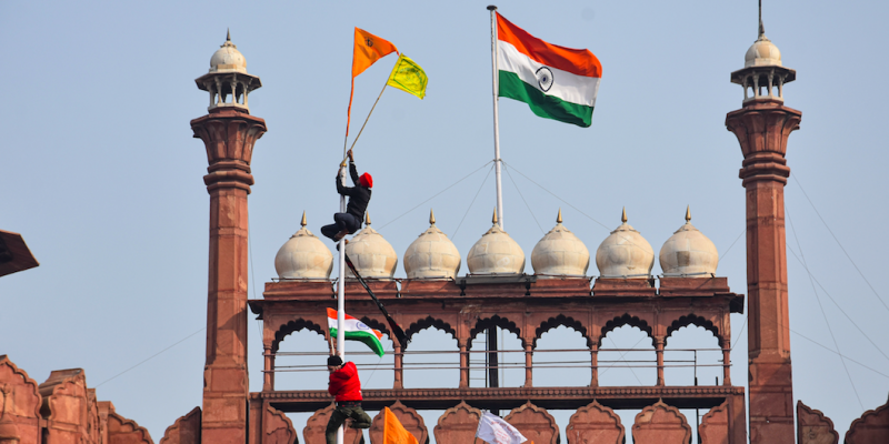 Fact-Check: Flags Hoisted at Red Fort Neither Replaced Tricolour, Nor Promoted Khalistan