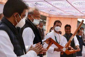 Pilot Gets Cold Shoulder From Rahul Gandhi at Rajasthan Kisan Mahapanchayat