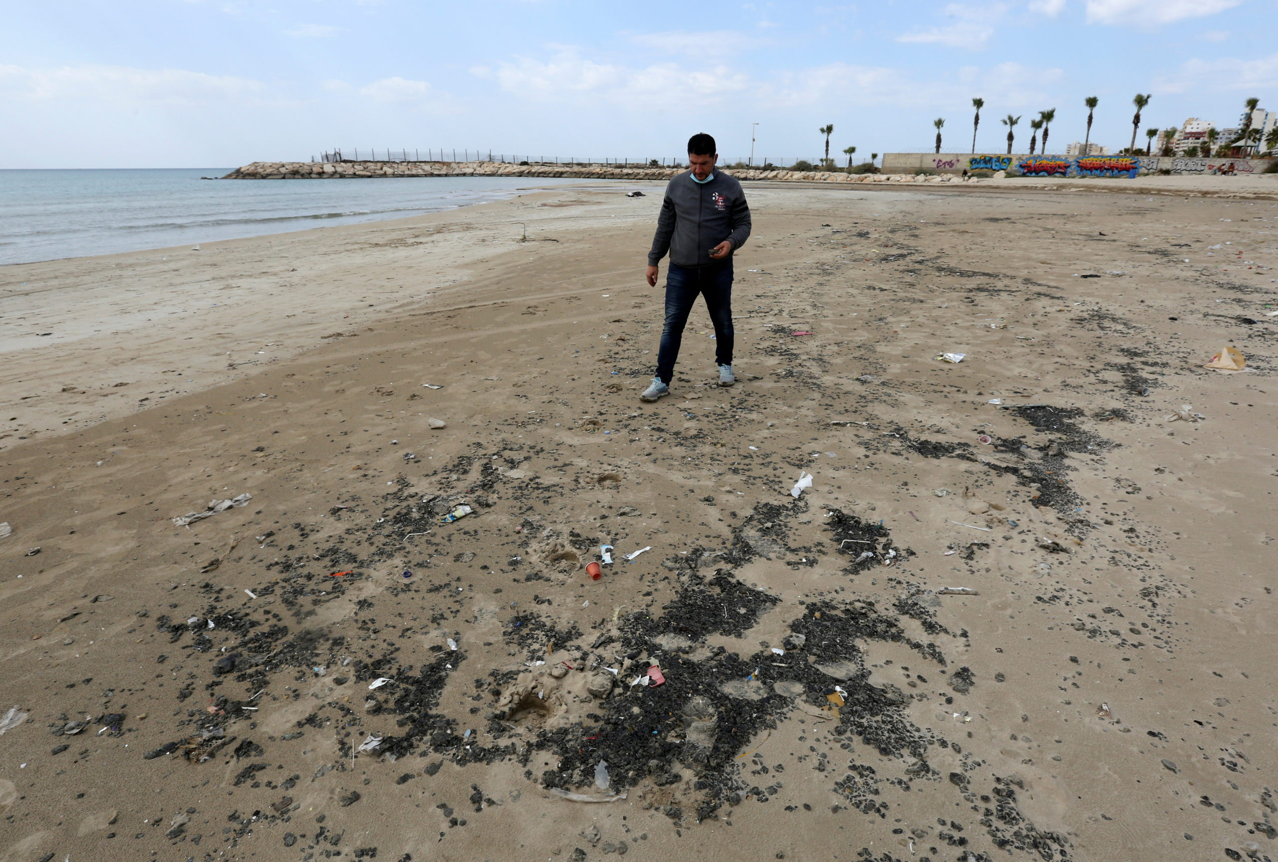 Oil Spill off Israel Reaches South Lebanese Beaches – The Wire Science