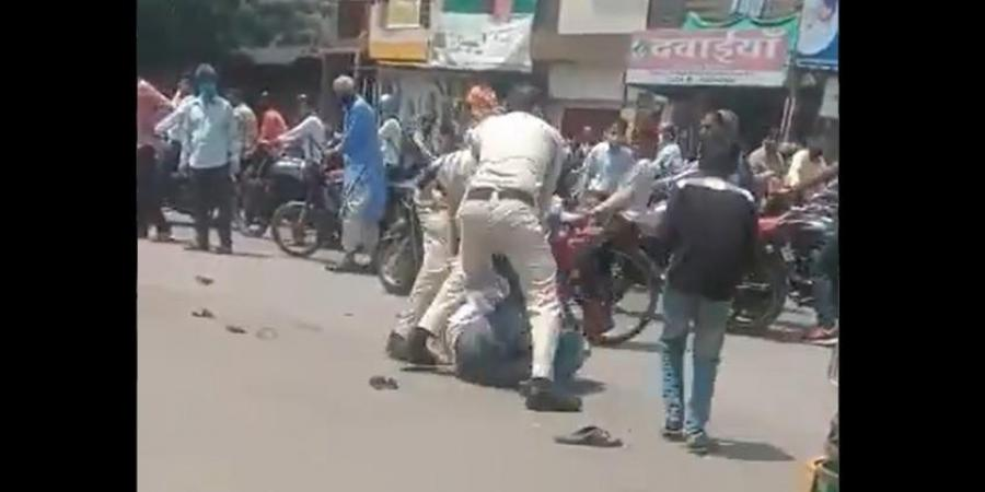 Indore: Policemen Beat Up Man Because His Mask Slipped From Nose