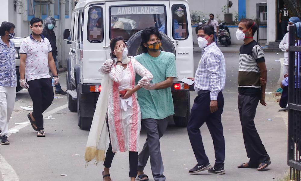 Delhi Hospitals Turn Away COVID Patients as Oxygen Supply Depletes