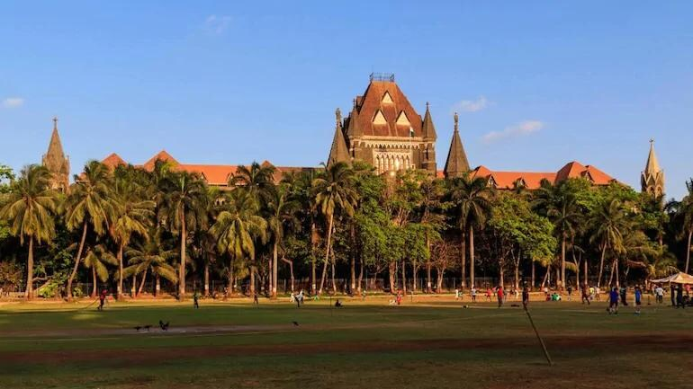 Bombay HC Orders Centre to Consider COVID-19 Vaccination at Doorstep