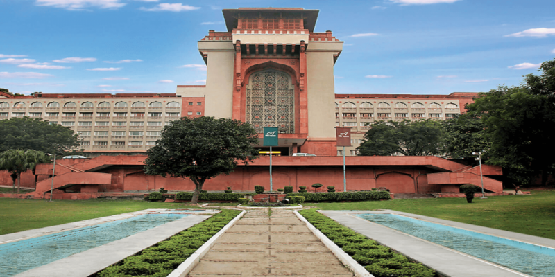 Delhi Govt Decision on Ashoka Hotel as COVID Facility for HC Judges Leaves Lawyers Divided - The Wire