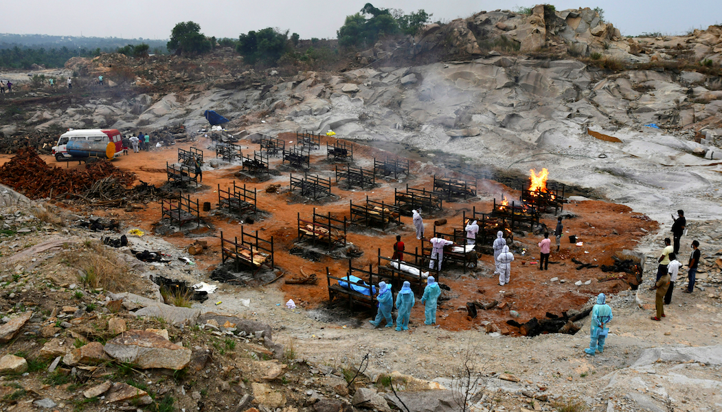 As COVID Deaths Surged, Bengaluru Crematorium Workers Subjected to 'Inhuman Conditions'