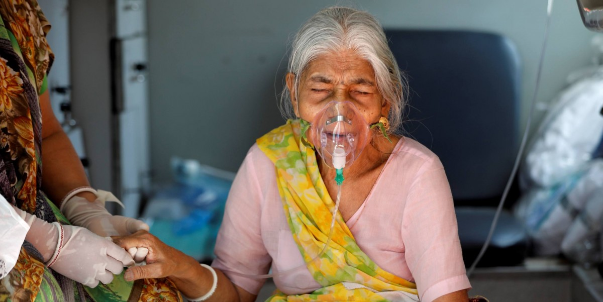 India Records More Than 400,00 New COVID-19 Daily Cases