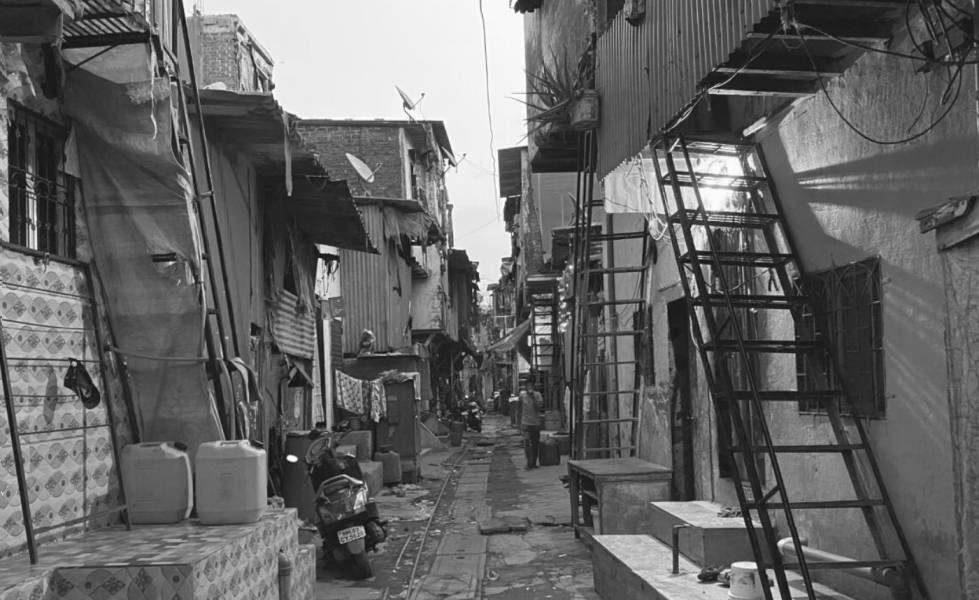 Fear, Distrust and Despair: The COVID-19 Second Wave in Mumbai's Shivaji Nagar