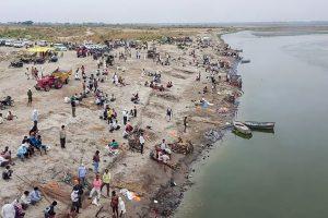 Gujarati Writers, Readers Condemn Sahitya Akademi's Vilification of Poem on Ganga Corpses