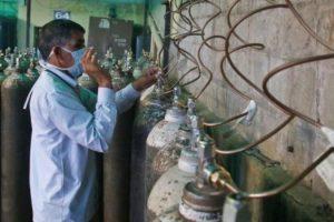 AAP, BJP Clash Over Purported SC Panel Report on Oxygen Crisis