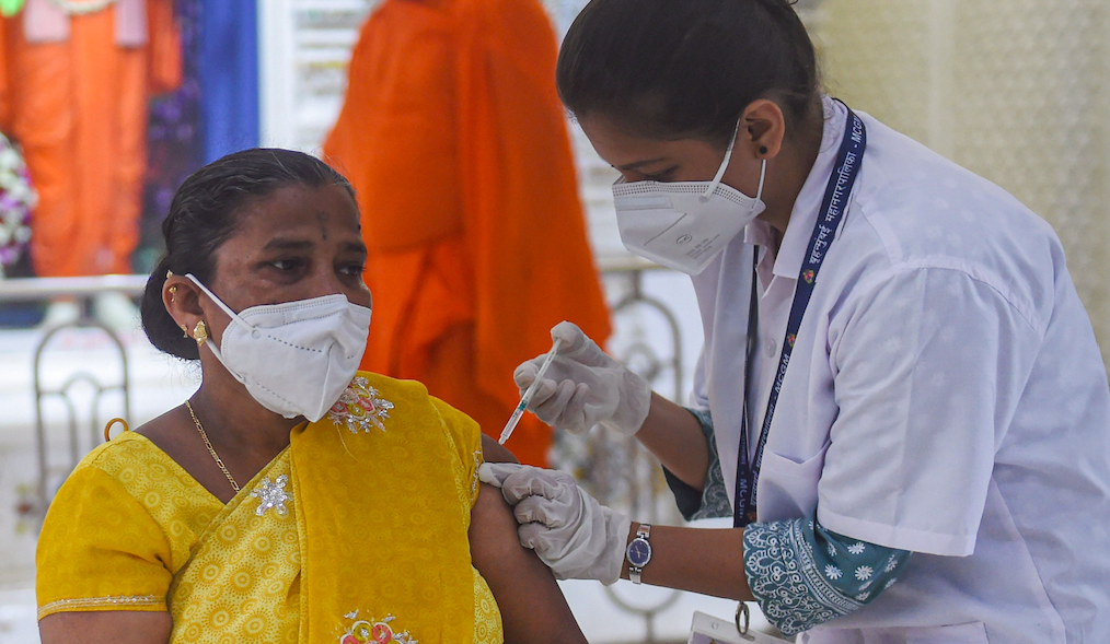 India's Large Informal Workforce Must Be Prioritised in Our COVID-19 Vaccine Strategy