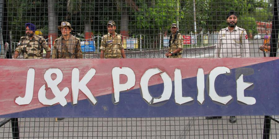 Pulwama: At Least Four Civilians Injured in Grenade Attack