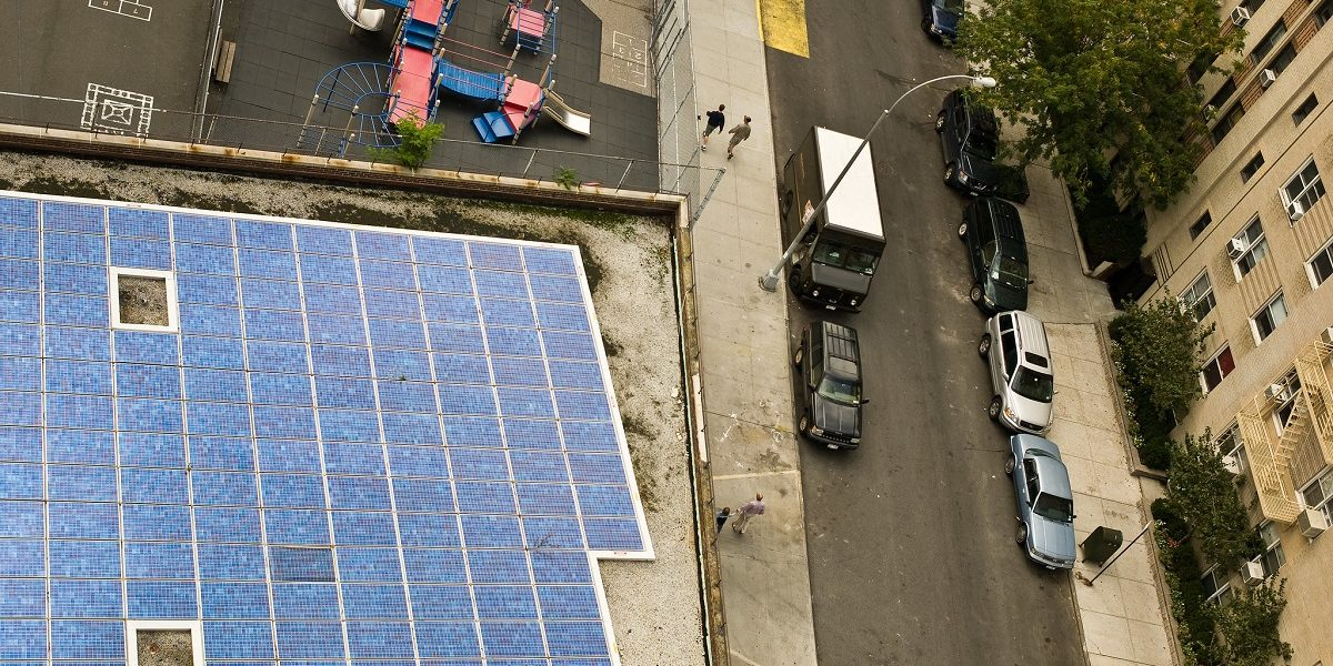 Despite Available Potential, Why Are Fewer Solar Rooftop Panels Being Installed in India?