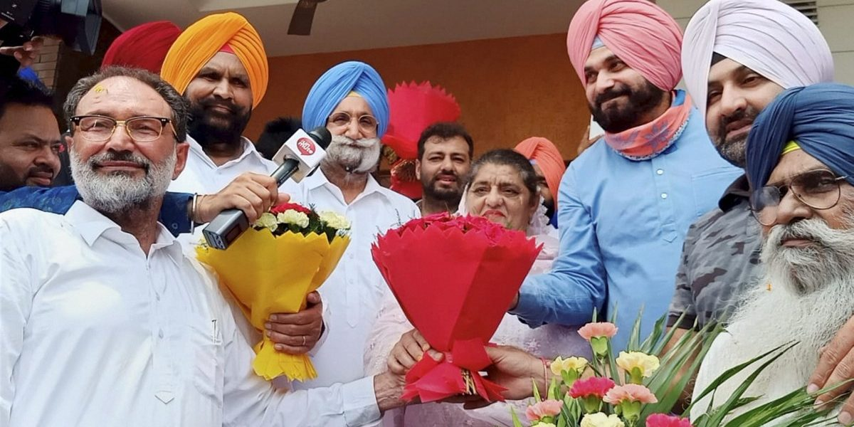 Ignoring Amarinder's Warning Letter to Sonia, Congress Makes Sidhu State Party Chief