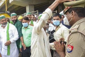 200 Farmers Reach Jantar Mantar to Protest against Farm Laws Amid Parliament Session