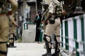 J&K Admin to Deny Security Clearance, Passports to Kashmiris Accused of Stone-Pelting, Other Crimes