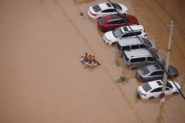 来自中国河南省洪水的死亡人数上升至302