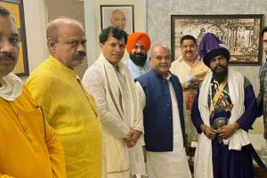 Leader of Nihang Group Involved in Singhu Killing Met Union Agri Minister Tomar in July