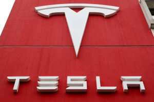 Tesla Lobbying for Tax Cuts Before Entering India Market: Sources